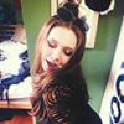 Sarah zoekt een Kamer / Appartement / Studio in Amsterdam