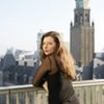 Eva zoekt een Appartement / Huurwoning / Kamer / Studio / Woonboot in Amsterdam