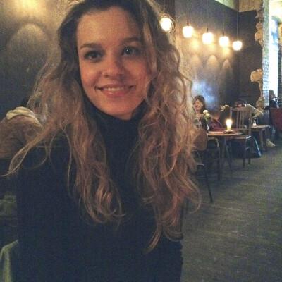 Pauline zoekt een Appartement / Huurwoning / Studio / Woonboot in Amsterdam