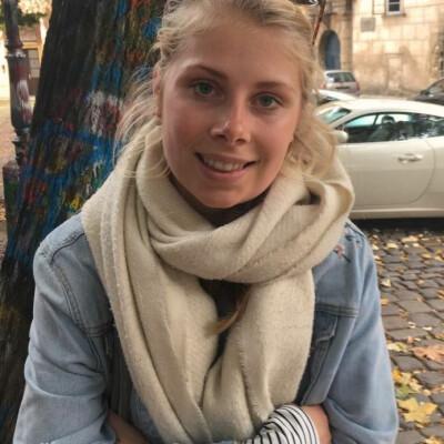 Rosalie zoekt een Kamer / Appartement / Huurwoning in Amsterdam